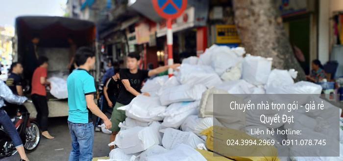 Dịch vụ chuyển nhà Quyết Đạt tại phố Giang Biên