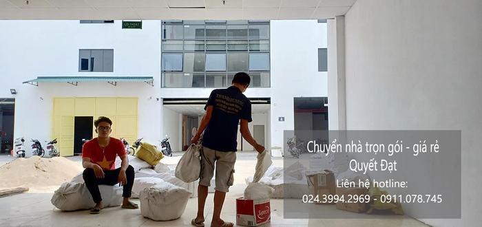 Dịch vụ chuyển nhà Quyết Đạt tại phố Chả Cá