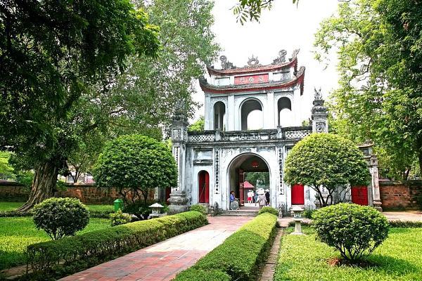 Chuyển nhà giá rẻ tại phố Trần Quốc Hoàn